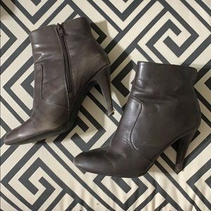 LE CHATEAU - Brown Leather Booties. 39 fits US9.